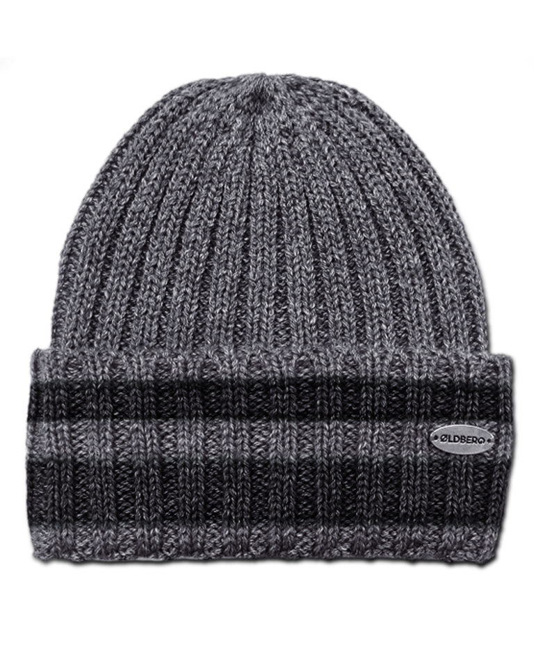 RIBBED BEANIE WITH STRIPES ON THE LAPEL