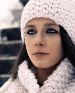 white_beanie_knit